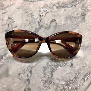 •NEW DVF Blair Rounded Sunglasses•